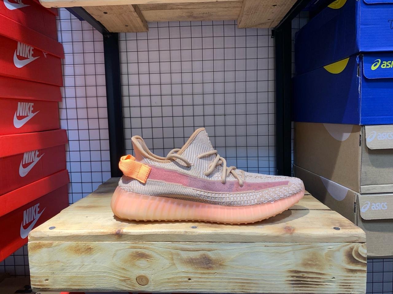 Кроссовки Adidas Yeezy Boost 350 V2 Clay - фото 2