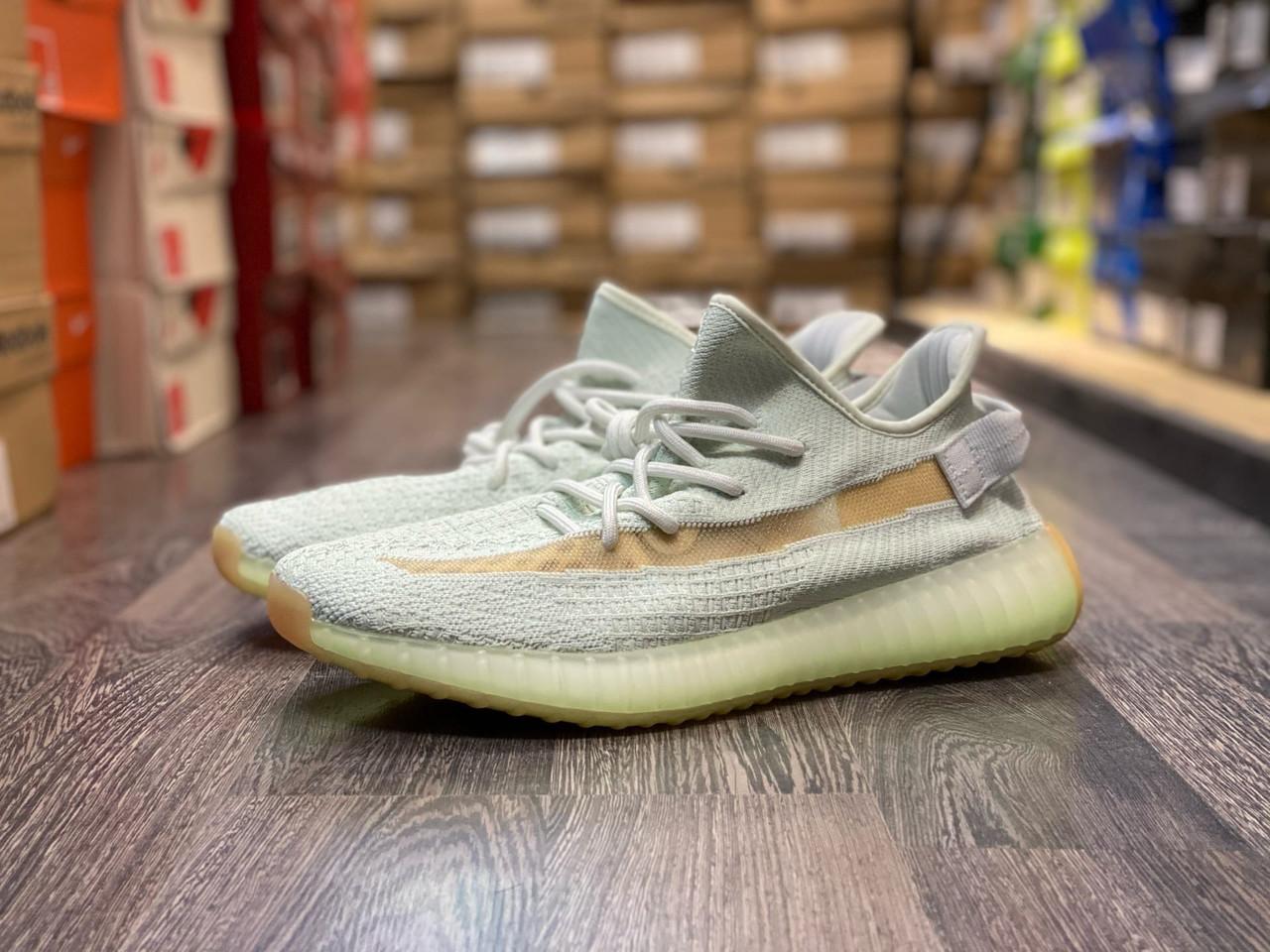 Кроссовки Adidas Yeezy Boost 350 V2 Hypers - фото 1