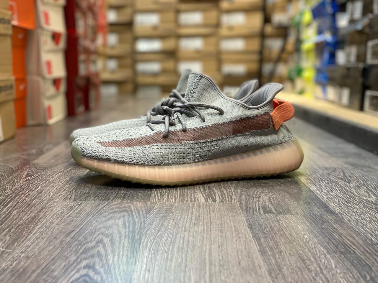 Кроссовки Adidas Yeezy Boost 350 V2 - фото 1