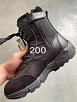 Спортивные ботинки с высокими берцами