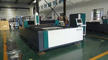 Оптоволоконный лазерный станок Ruijie 1500*3000 мощность 1000Вт