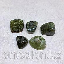 Гранат зеленый (гроссуляр), галтовка