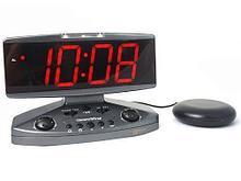 Wake-n-Shake Настольные электронные часы-будильник и индикатор телефонного звонка «Wake-n-Shake» с