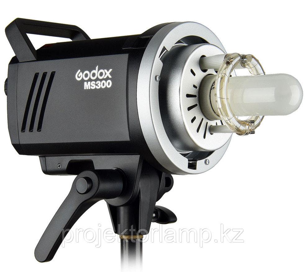 Вспышка импульсная студийная Godox MS300
