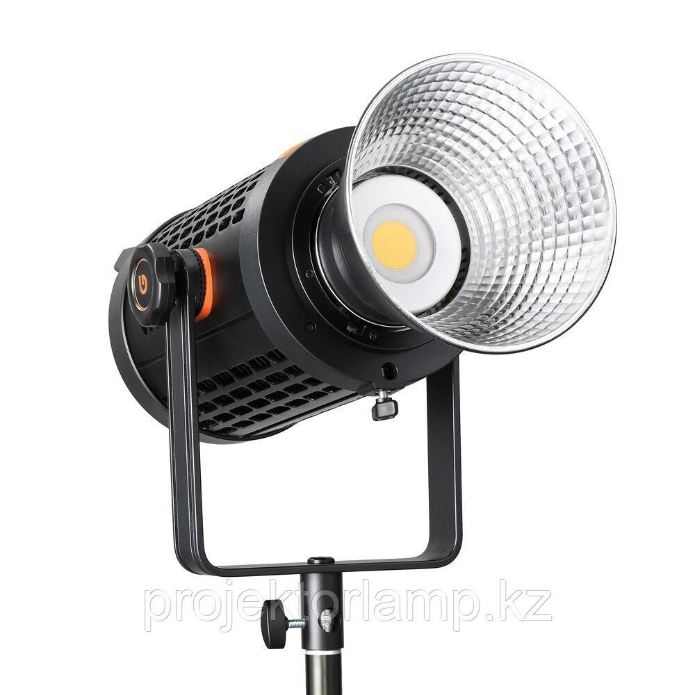 Осветитель студийный Godox UL150