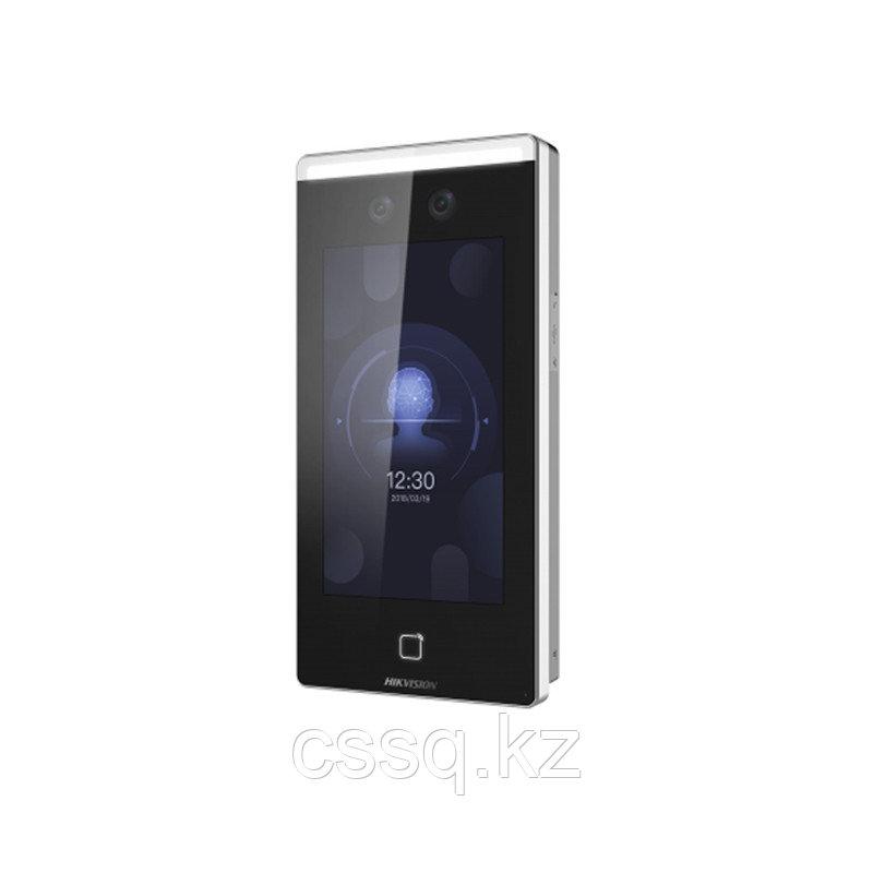 Hikvision DS-K1T671TMW Терминал доступа с распознаванием лиц и встроенным считывателем Mifare карт