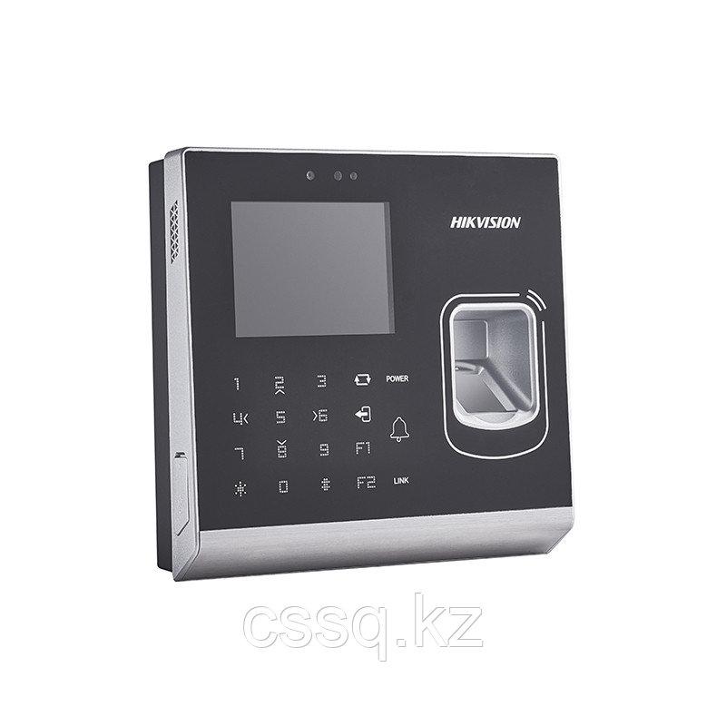 Hikvision DS-K1T201MF-C Терминал доступа со встроенными считывателями и  2Мп камерой