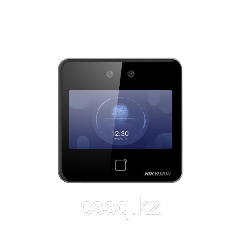 Hikvision DS-K1T642E Терминал доступа с распознаванием лиц и встроенным считывателем E-Marin карт