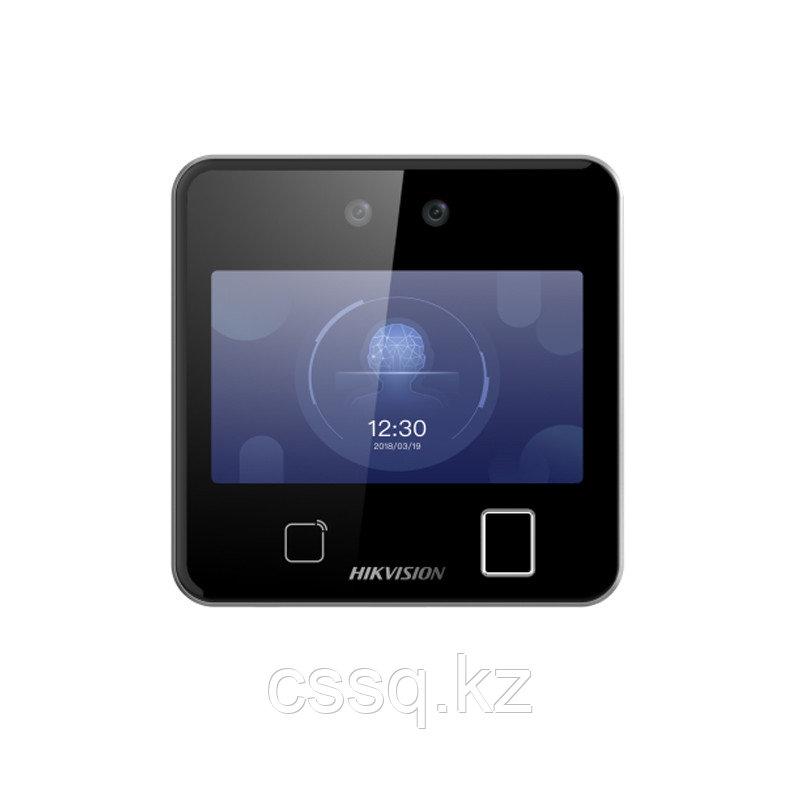 Hikvision DS-K1T642EFW Терминал доступа с распознаванием лиц и встроенным считывателем E-Marin карт