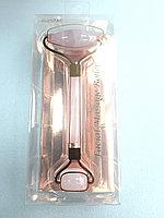Массажный роллер для лица розовый кварц