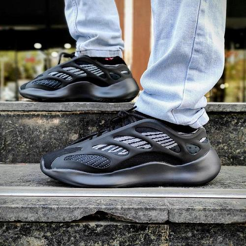 Светящиеся кроссовки Adidas Yeezy Boost 700 Vol 3 by Kanye West