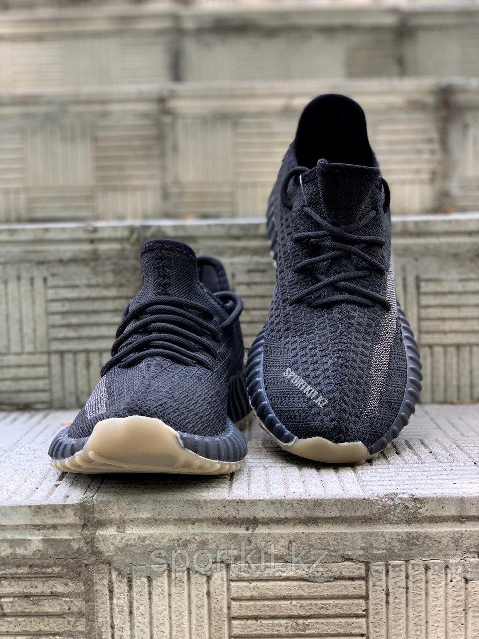 Кросс Adidas Yeezy 350 черн - фото 2