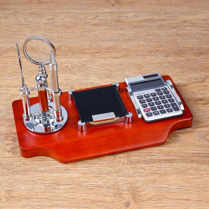 Набор настольный 5в1 (блок д/бумаг, лупа, ручка, нож д/бумаги, калькулятор)