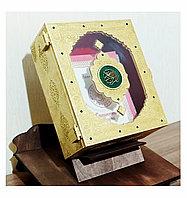 Деревянная шкатулка для хранения Корана.