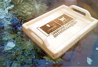 Плавающий столик из дерева