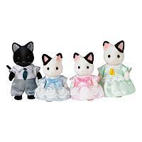 Sylvanian Families: Семья Чёрно-белых котов, фигурки животных, игровой набор, подарок девочке