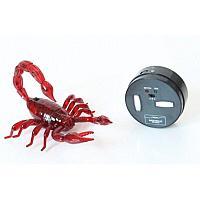 Innovation: Радиоуправляемая игрушка Скорпион на пульте управления