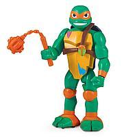 TMNT: Rise of the Turtles. Фигурка Майки в атаке с разворота 15 см.