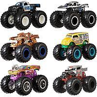 Hot Wheels: Monster Trucks. Набор из 2х машинок 1:64, в ассортименте