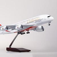 Модель самолета Airbus A380 в ливрее Emirates, с LED подсветкой, масштаб 1/160