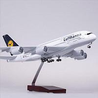 Модель самолета Airbus A380 в ливрее Lufthansa, с LED подсветкой, масштаб 1/160