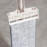 Швабра плоская с вертикальным отжимом Доляна, стальная ручка 125 см, 2 насадки из микрофибры 35×14 см, фото 6