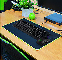 Коврик для мышки и клавиатуры черный с зеленым швом 60х30 см