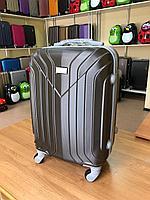 Пластиковый чемодан размер М