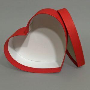Изготовление подарочных коробок в форме сердец