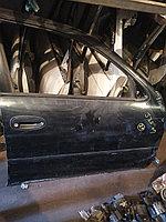 Дверь правая передняя Toyota Arista.