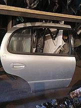 Дверь правая задняя Toyota Arista.