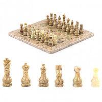 """Подарочные шахматы """"Игрок"""" камень оникс ракушечник 25х25 см"""