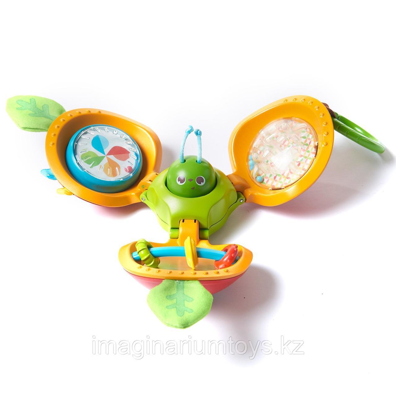 Игрушка для малышей Яблочко с сюрпризом Tiny Love