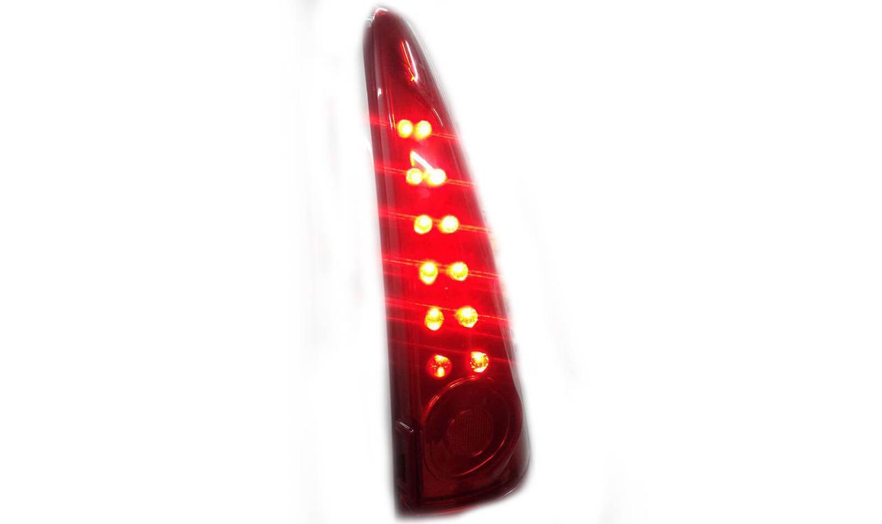 Тюнинг фонари второго поколения Лада Ларгус