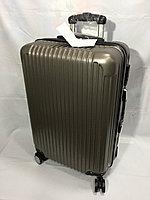 """Средний пластиковый дорожный чемодан на 4-х колесах""""Longstar"""". Высота 63 см, ширина 41 см, глубина 25 см., фото 1"""
