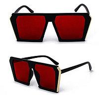 Солнцезащитные очки с красными стеклами MIU MIU 3011