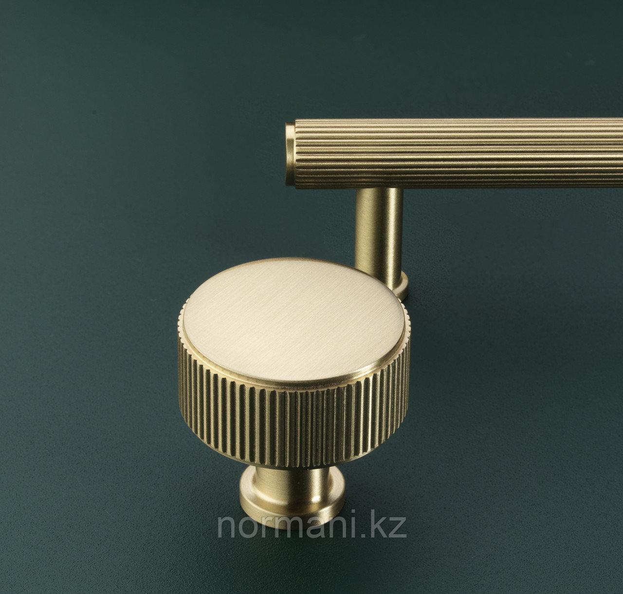 Ручка кнопка диаметр 35 мм, отделка золото матовое