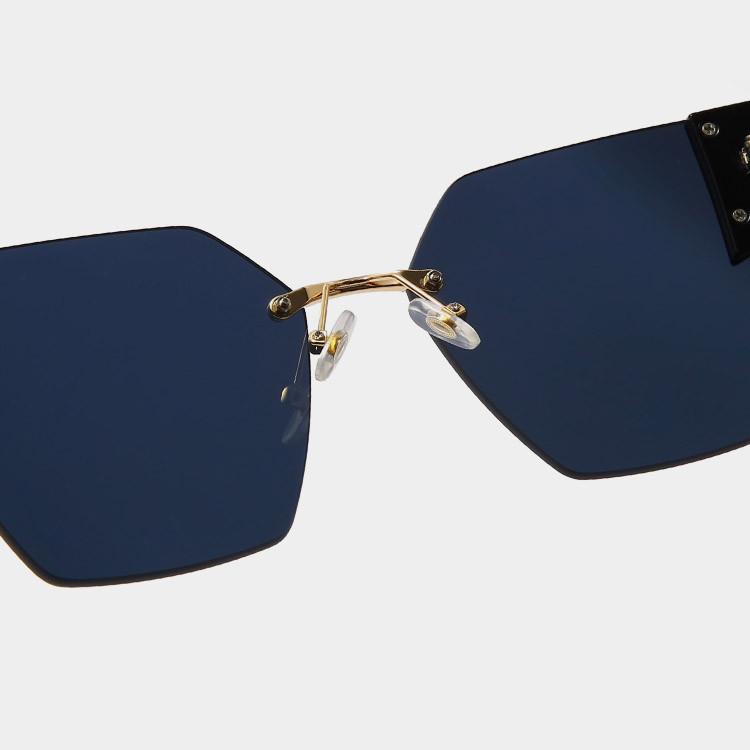 Солнцезащитные очки с черными стеклами с широкой черной дужкой UV 400 2203 - фото 6