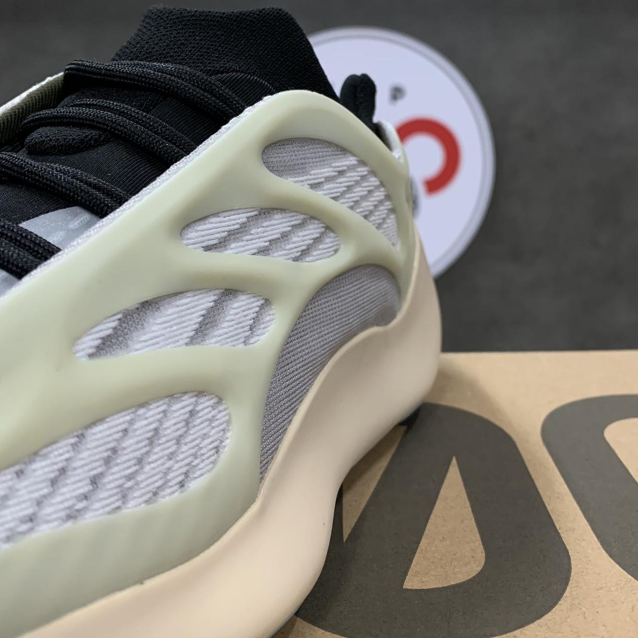 Кроссовки Adidas Yeezy Boost 700 V3 - фото 3