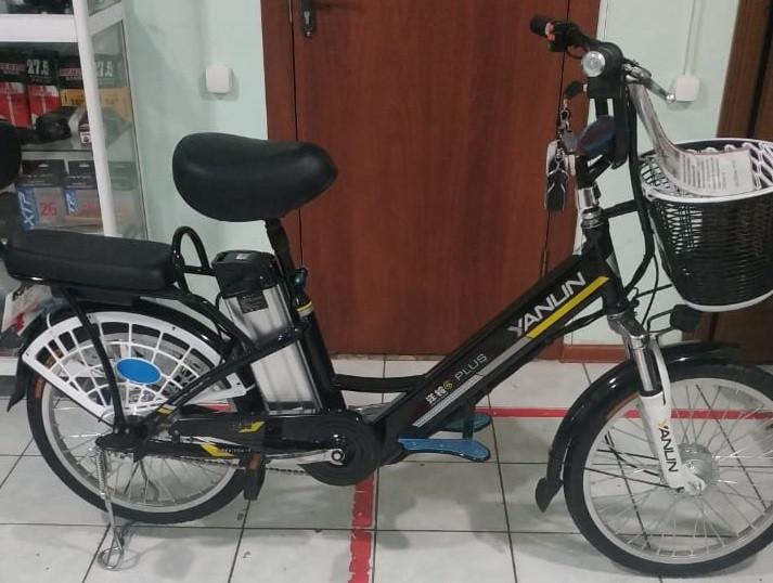 Электровелосипед, мотор 48v 240w, аккум. Li-ion 48v 10A/H. Дальность 40 км. Вес 23 кг. Колеса 20''. Сиденья 2