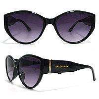 Солнцезащитные очки с черными стеклами с широкой черной дужкой Balenciaga 2125