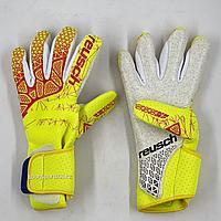 Футбольные перчатки вратарские вратаря Reusch (8)