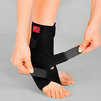 Бандаж неопреновый жесткий на голеностопный сустав с фиксирующим ремнем и пластиковыми вкладками