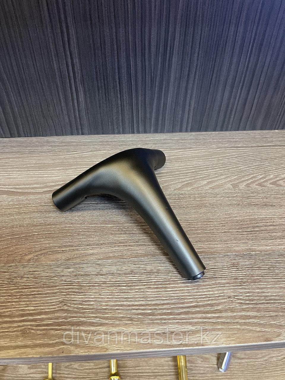 Ножка стальная, для диванов и кресел, черная 15 см