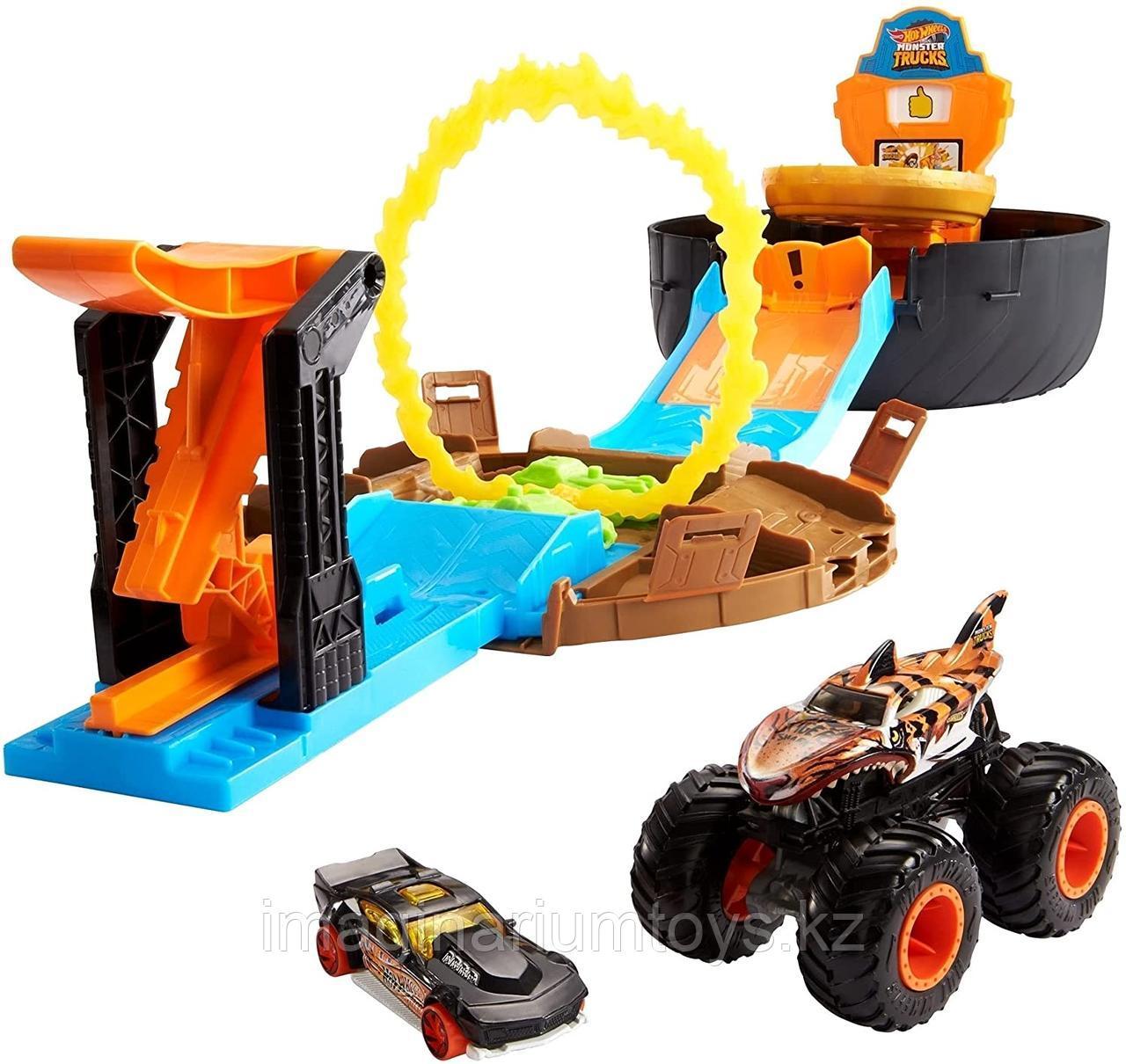 Hot Wheels игровой набор Трюковая арена с машинкой Монстр Трак