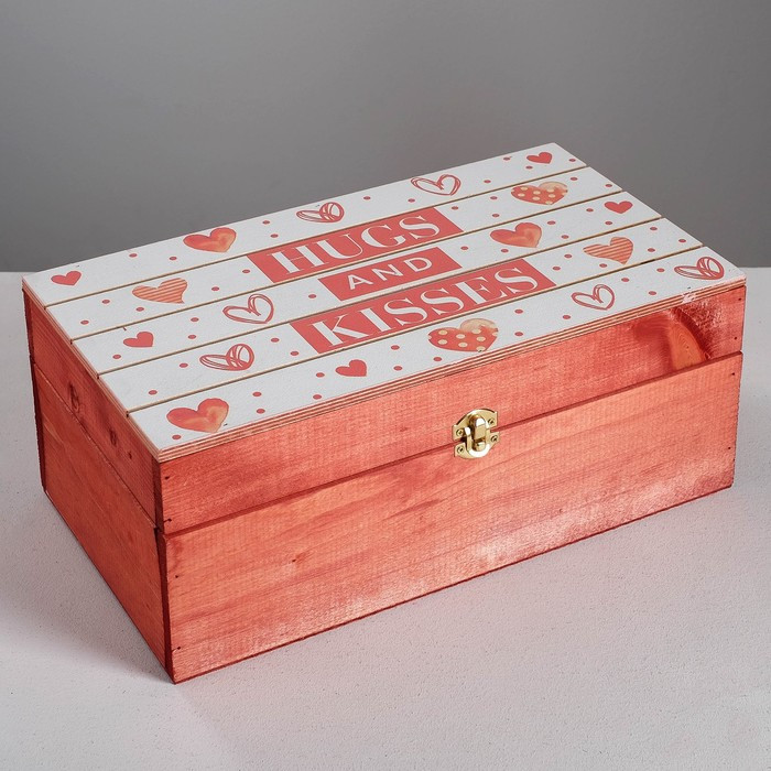 Ящик деревянный подарочный «Целую», 35 × 20 × 15 см