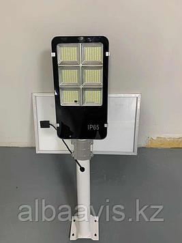 Светильник консольный уличный на солнечной батарее 300 ватт