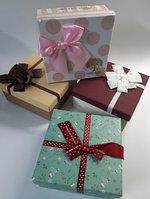 Коробка подарочная с бантом 18.5 х 18.5 х 9 см Ассорти
