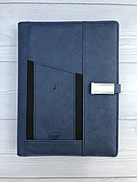 Универсальный блокнот с встроенным зарядным устройством, флешкой, ручкой.
