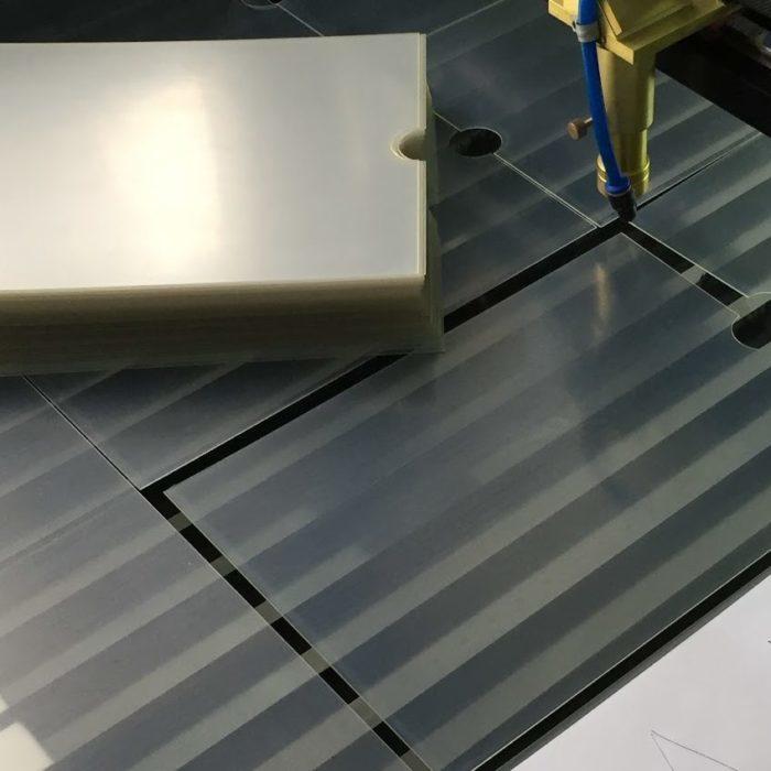 Лазерная резка ПЭТа (PVC)